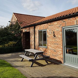 Willow Cottage with wet room for wheelchair users